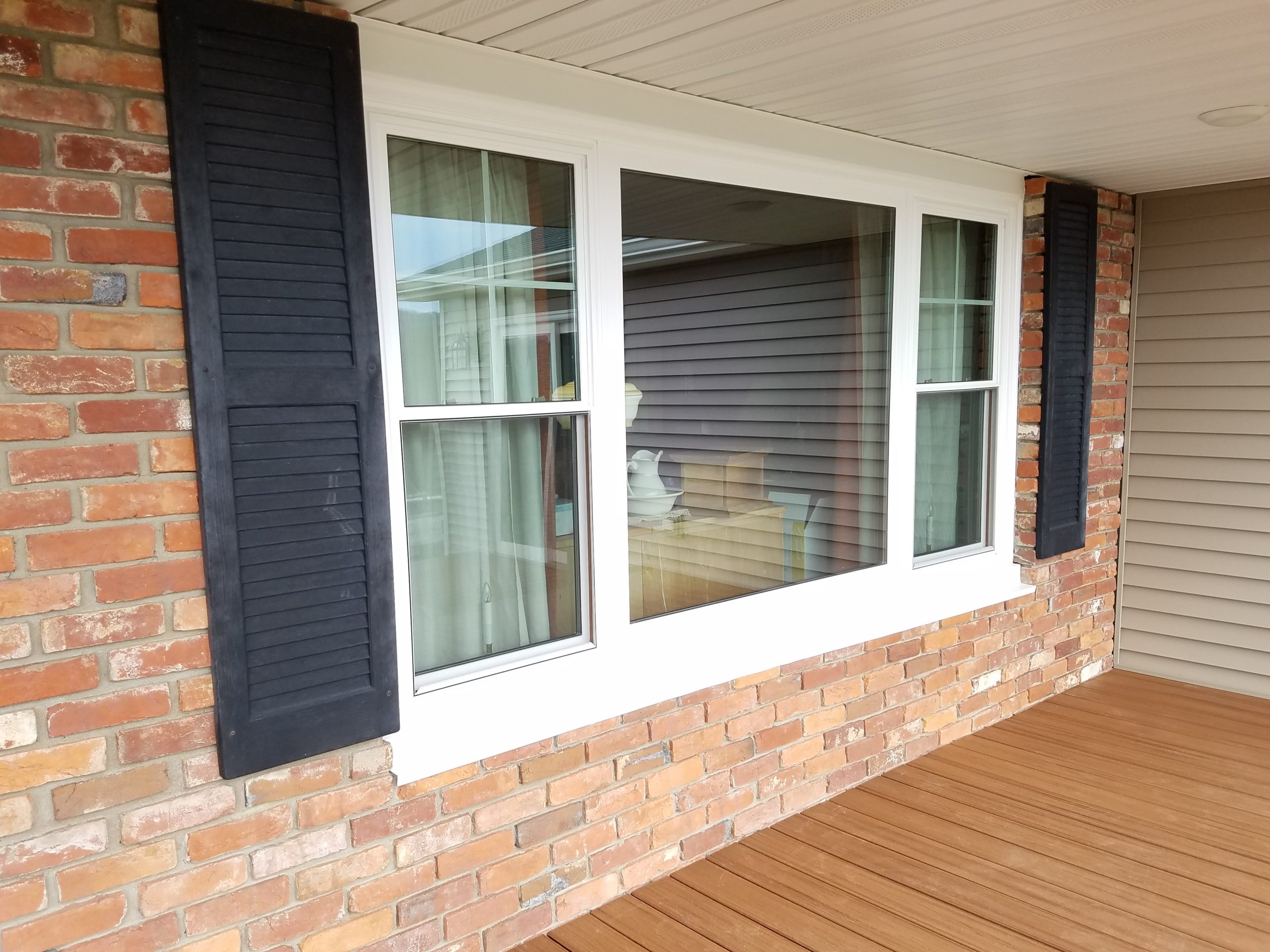 Mistakes To Avoid When Hiring A Replacement Windows Contractor