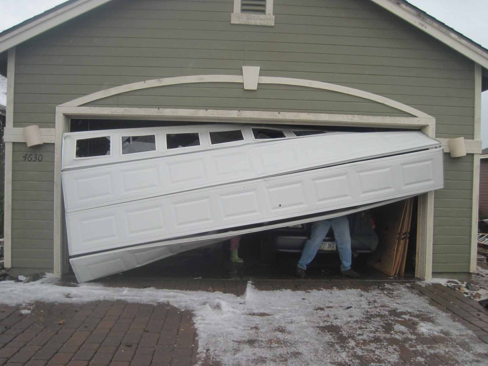 What To Watch Out For When Repairing Your Garage Door