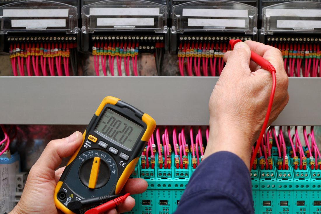 High Standard Electrician Services and Support in Dubai